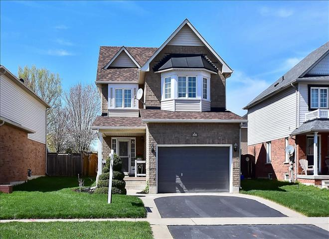 235 Sprucewood Cres