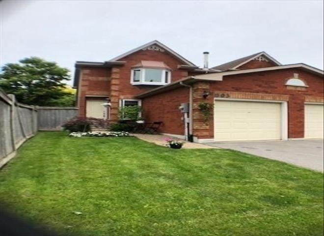 805 Playter Cres