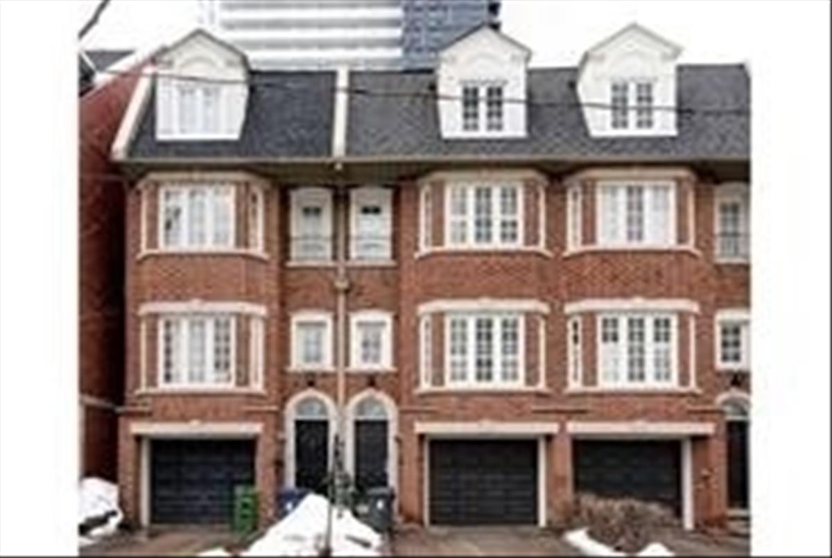 268 Redpath Ave Toronto RE/MAX Hallmark Group of Companies