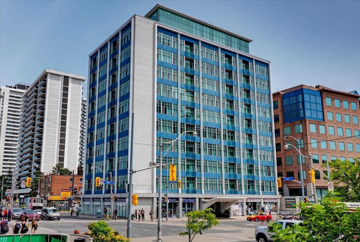 1901 Yonge St Toronto RE/MAX Hallmark Group of Companies